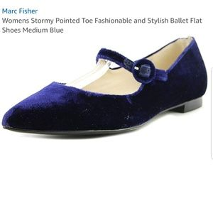 💙MARC FISHER POINTED TOE BLUE MARY JANE FLATS